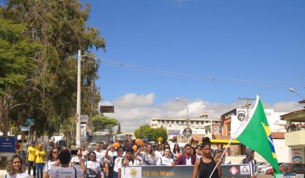 Imagens da Nesta sexta (18) a Secretaria de Assistência Social do Município de Seabra promoveu uma campanha de conscientização sobre o combate a exploração sexual de crianças e adolescentes.