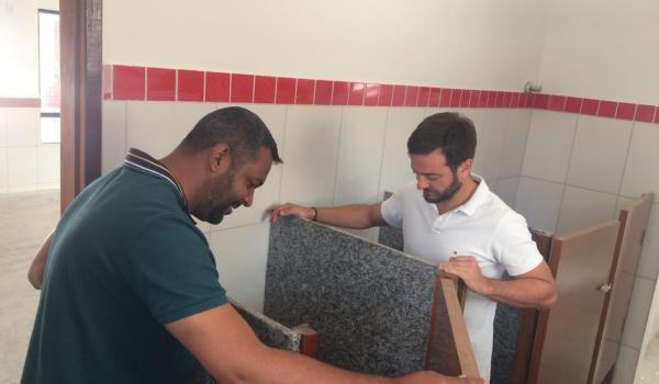 Imagens da O prefeito Fábio Miranda e o vice Marlon Leite visitaram a Creche Mardete Medeiros Ramos Leite