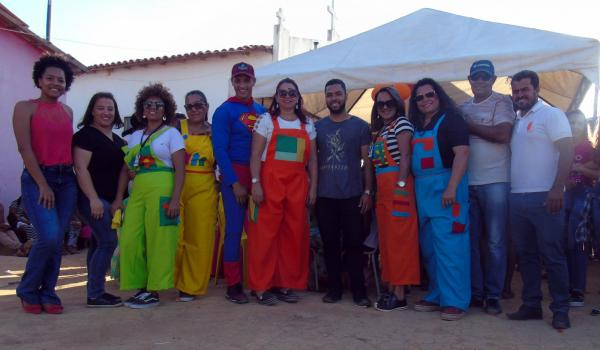 Imagens da Ação Social na comunidade em São Lourenço