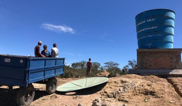 Caixa d'água no povoado de Lagoinha